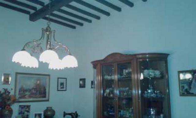 Appartamento in vendita a Empoli, 4 locali, prezzo € 99.000   CambioCasa.it